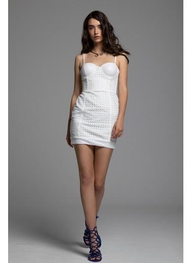 Tuba Ergin Askılı Şerit Detaylı Sabrina Mini Elbise Beyaz